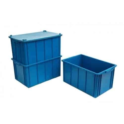caixas plásticas fechada