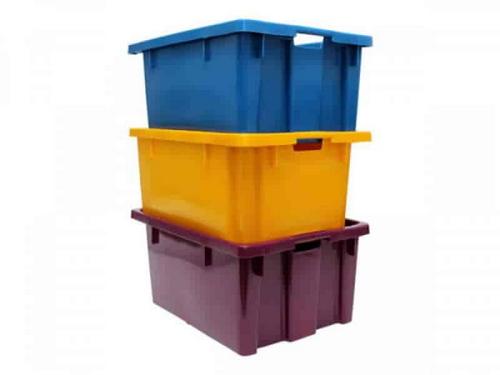 caixas plásticas empilháveis